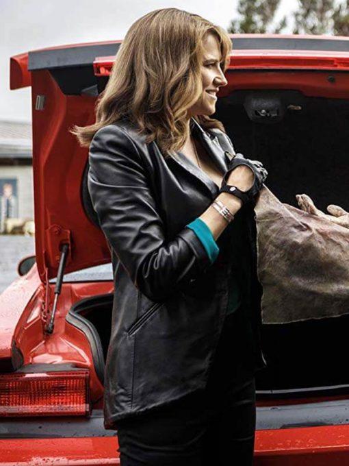Ash vs Evil Dead Lucy Lawless Blazer