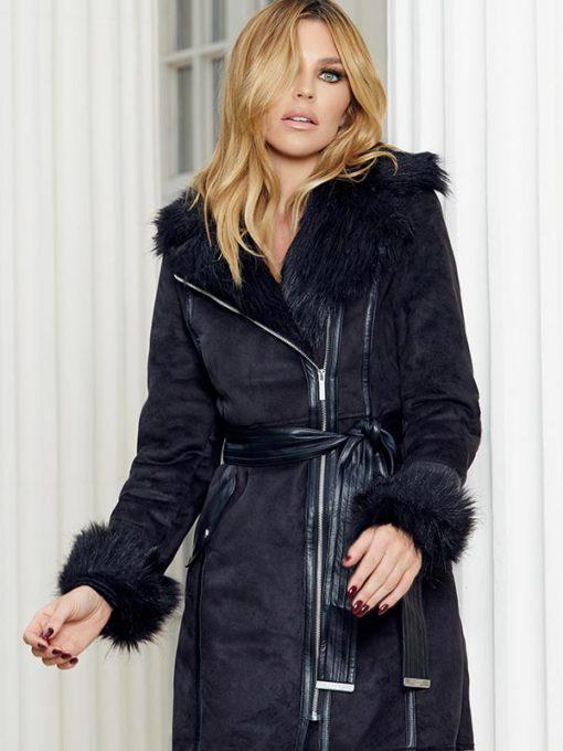 Model Abbey Clancy Fur Collar Coat