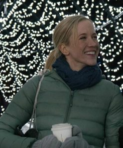 Amazing Winter Romance Jessy Schram Green Jacket